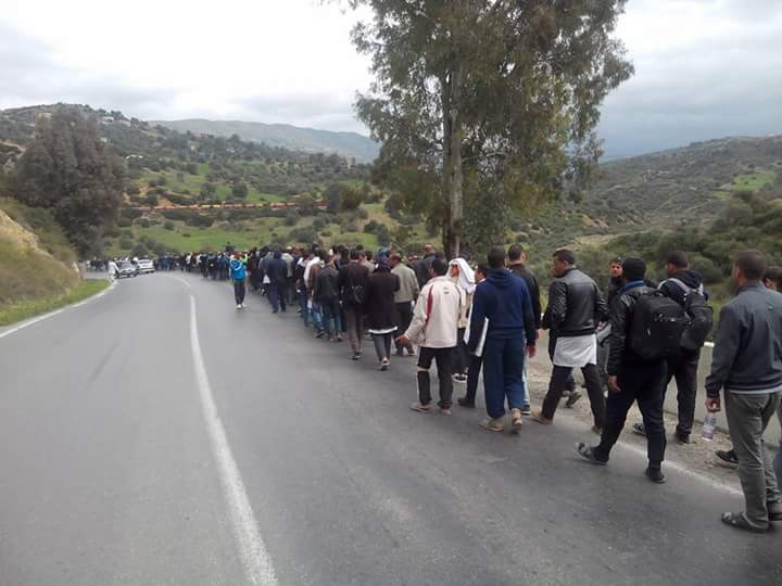 الأساتذة المتعاقدون يعتصمون أمام أكاديمية البيضاء سطات إلى حين توقيع العقدة