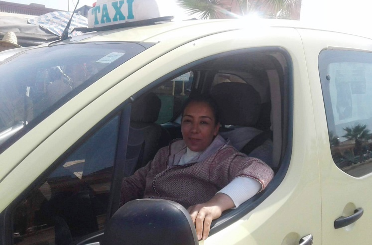 برافو ليلى أول سائقة طاكسي من الحجم الكبير بسطات