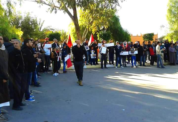 البروج :وقفة احتجاجية امام المركز الصحي للتنديد بالاوضاع المزرية