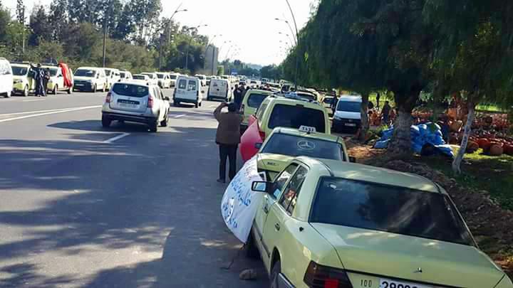 سطات : مسيرة احتجاجية لسيارات الأجرة من الصنف الكبير