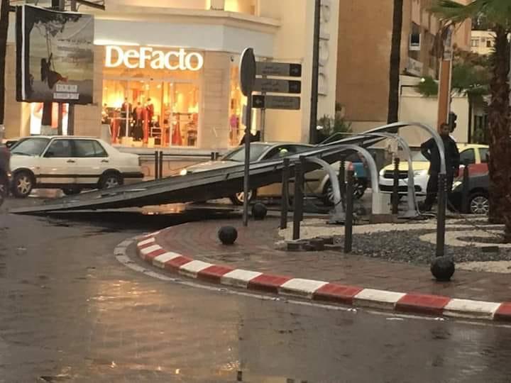 دقائق من الرياح والأمطار بسطات تكشف هشاشة البنية التحتية للمدينة