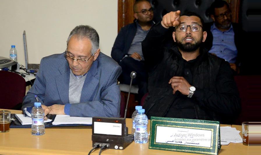 """هل أغشى فعلا """"بروجيكتور"""" أخبار سطات أعين المستشار الجماعي عبد الهادي الجزولي؟"""
