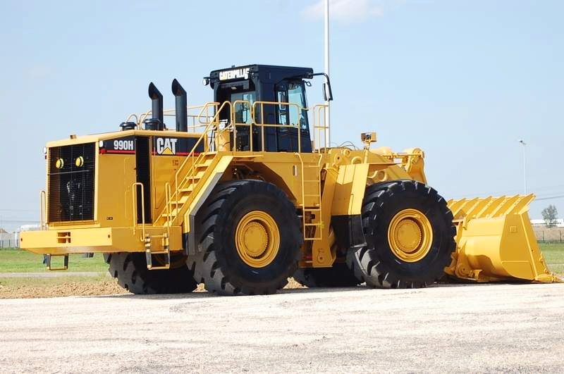 سطات.. إعطاء الانطلاقة الرسمية لأكاديمية الآليات الثقيلة والمركبات التجارية