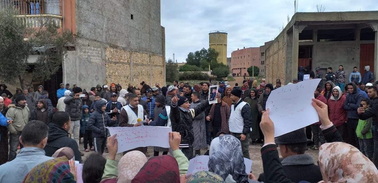 تردي الوضع الصحي يخرج مواطنين بلولاد والجماعات المجاورة للاحتجاج
