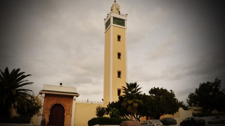 غياب مكبر الصوت يفسد فرحة المصلين بمسجد المسيرة في معانقة صلاة الجمعة
