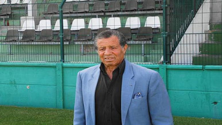 وفاة اللاعب الدولي والمدرب الاسبق للنهضة العربي شيشا عن عمر يناهز 86 سنة